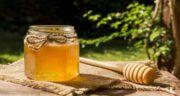 خواص عسل برای زنان ؛ بهبود دردهای قاعدگی و درمان عفونت رحم با مصرف عسل