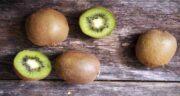 خواص کیوی برای معده ؛ فواید خوردن کیوی برای بهبود هضم غذا و درمان بیماری معده