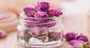 دمنوش گل محمدی برای نوزاد ؛ درمان یبوست نوزاد با دمنوش گل محمدی