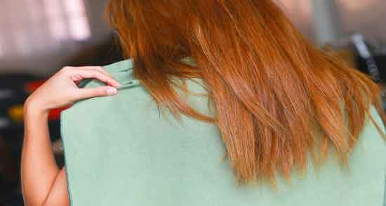 روغن کرچک برای ضخیم شدن مو ؛ فواید و تاثیر روغن کرچک برای ضخیم شدن مو