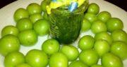 مضرات گوجه سبز نارس ؛ ایجاد دل درد با خوردن گوجه سبز نارس
