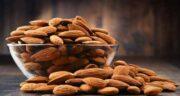 خواص بادام در بدنسازی ؛ بادام مهمترین منبع برای ساخت توده عضلانی در بدنسازان
