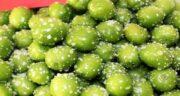 عکس آلوچه سبز با نمک ؛ مجموعه ای از عکس های گوجه سبز با نمک